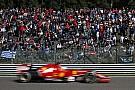 Alonso versenye 2 perccel a rajt előtt ment el: lemerült a külső akksi, újat kellett keríteni