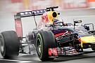 Nem normális, hogy Vettel ennyi időt veszít Ricciardóval szemben - van bőr a képükön