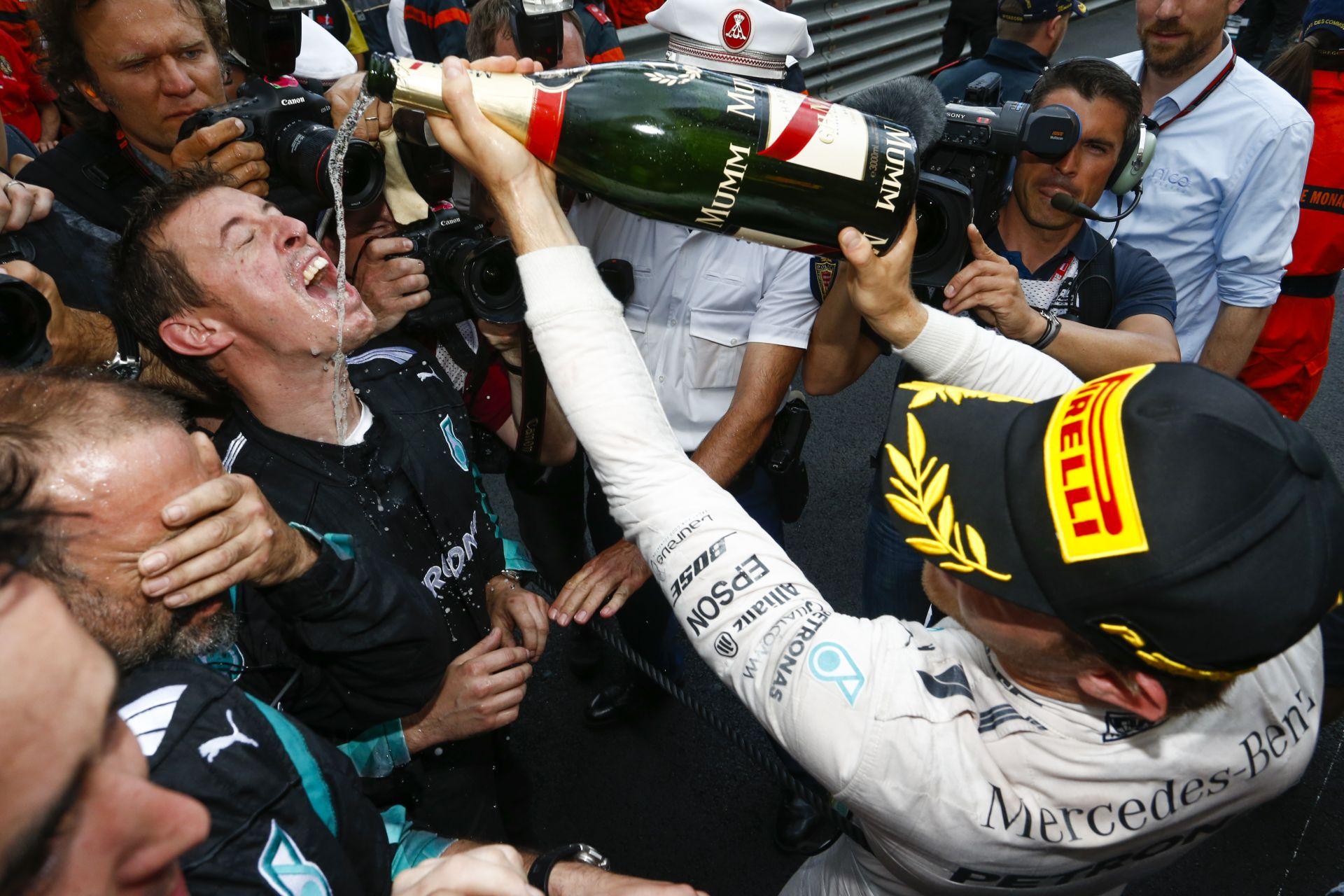 Így tombolt Rosberg Monacóban a győzelmét követően