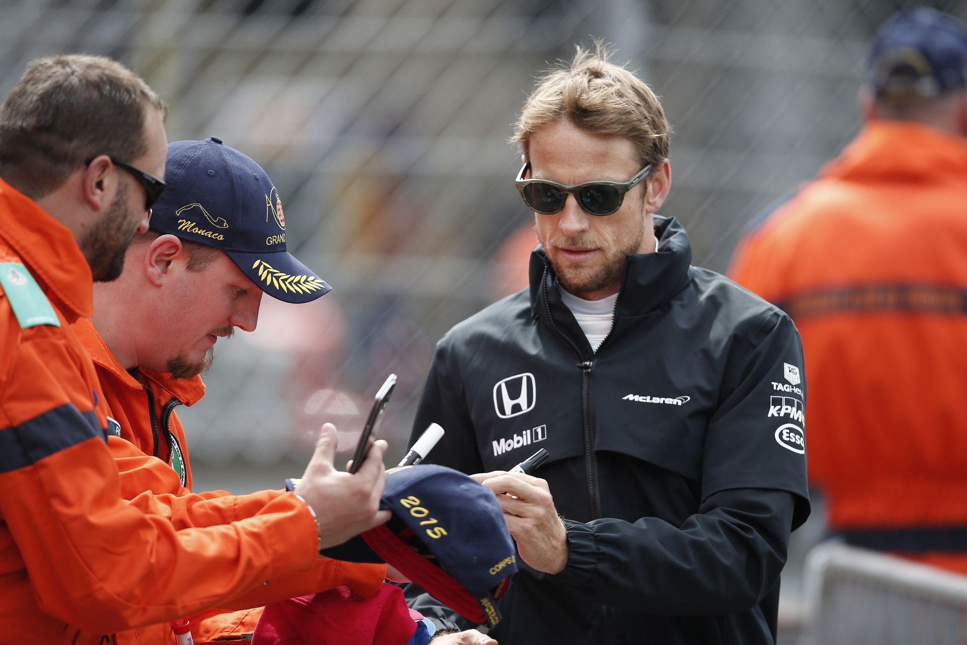 """Button mehet, Alonso mellé meg kerüljön be valami """"állat"""" fiatal"""