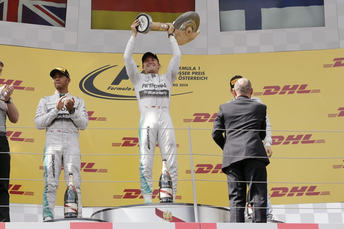 Hamiltonnak nem kell tipp, pláne Rosbergé: Nico nem is német, sohasem volt Németországban