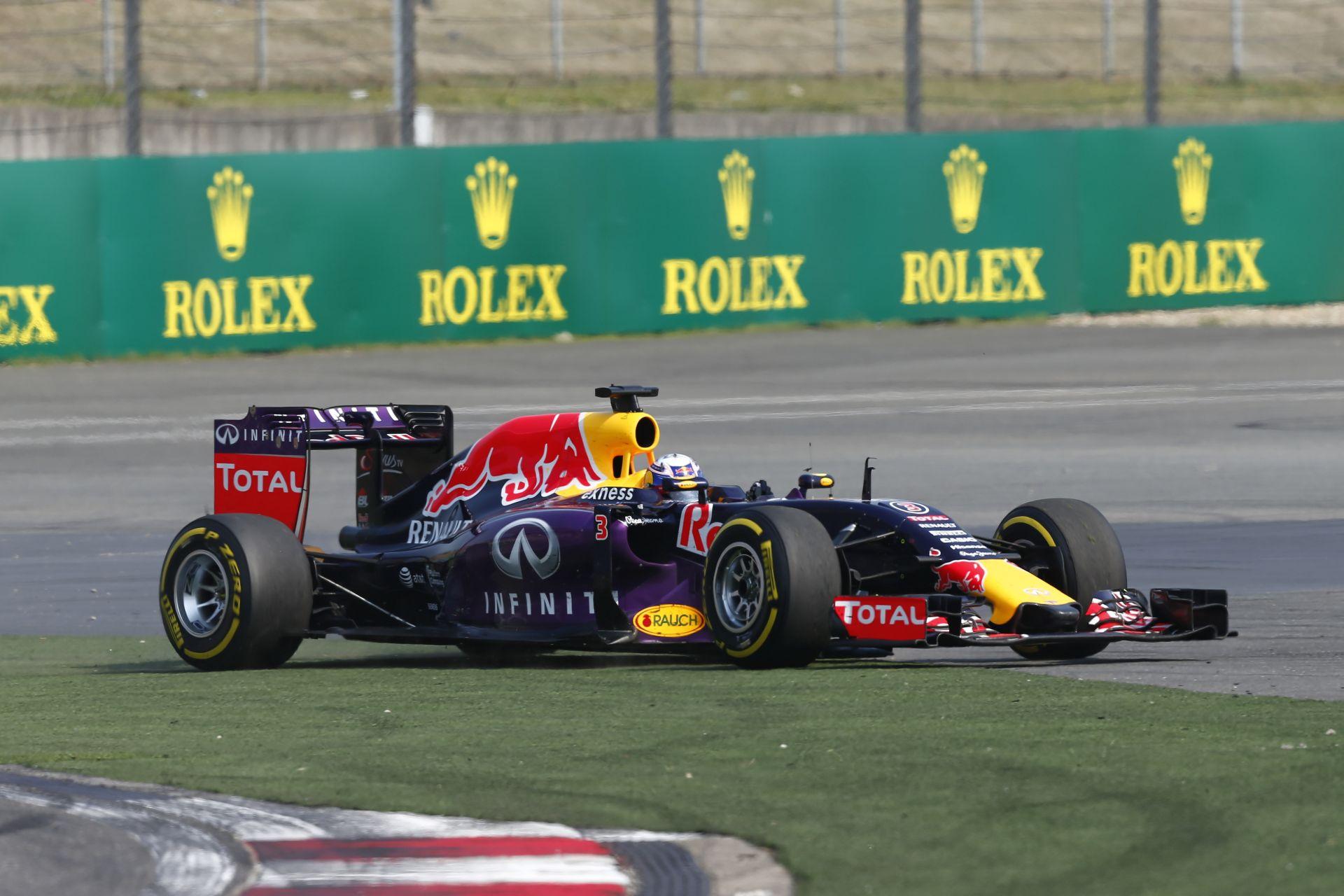 Talán soha nem rajtolt ilyen rosszul Ricciardo a Forma-1-ben: Videón a kínai startja