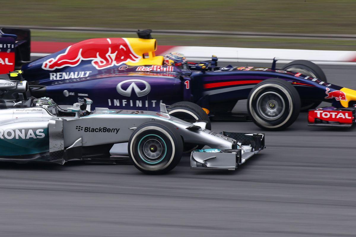 Vettel: nem a gyermekem miatt veszítek tizedeket, és remélem német bajnok lesz az F1-ben!