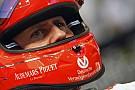 Úgy védik Michael Schumachert, mint senki mást