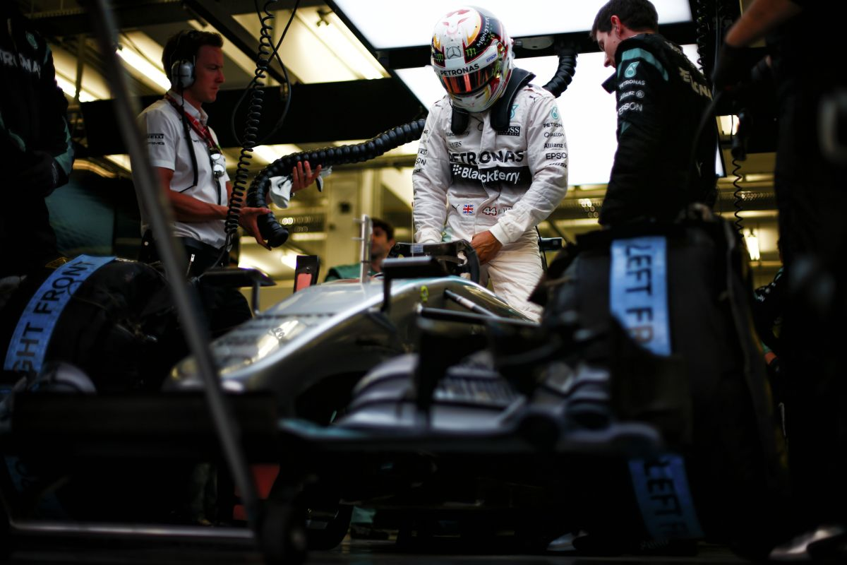 Hamilton még nem írt alá a Mercedesszel, de csak velük tudja elképzelni a jövőt