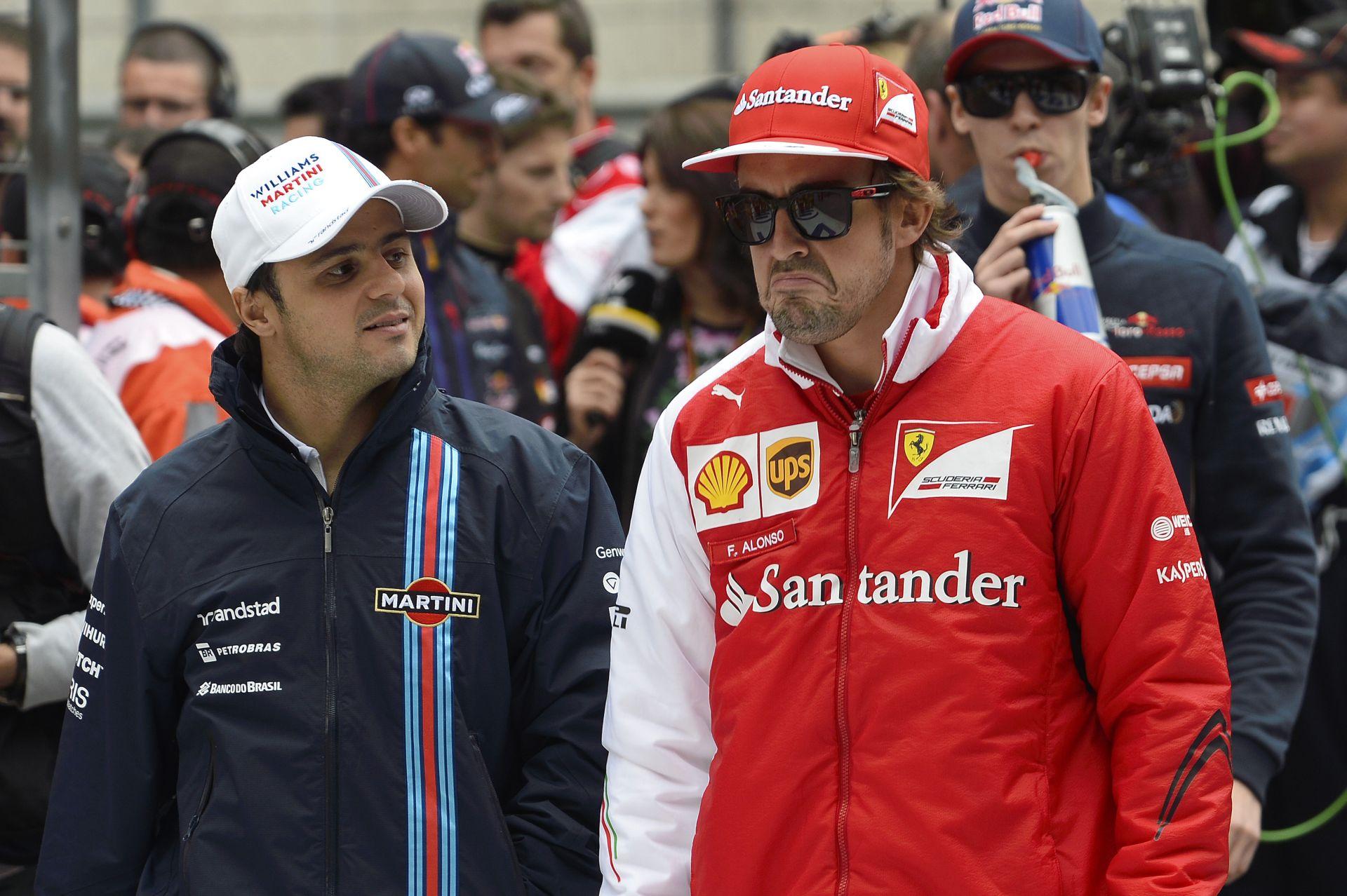Alonso szerint Massa gyorsabb volt a Ferrarinál, mint most Raikkönen
