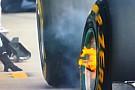 Lángcsóvás fékek Hamilton autóján: Egy látványos jelenet a Red Bull Ringről
