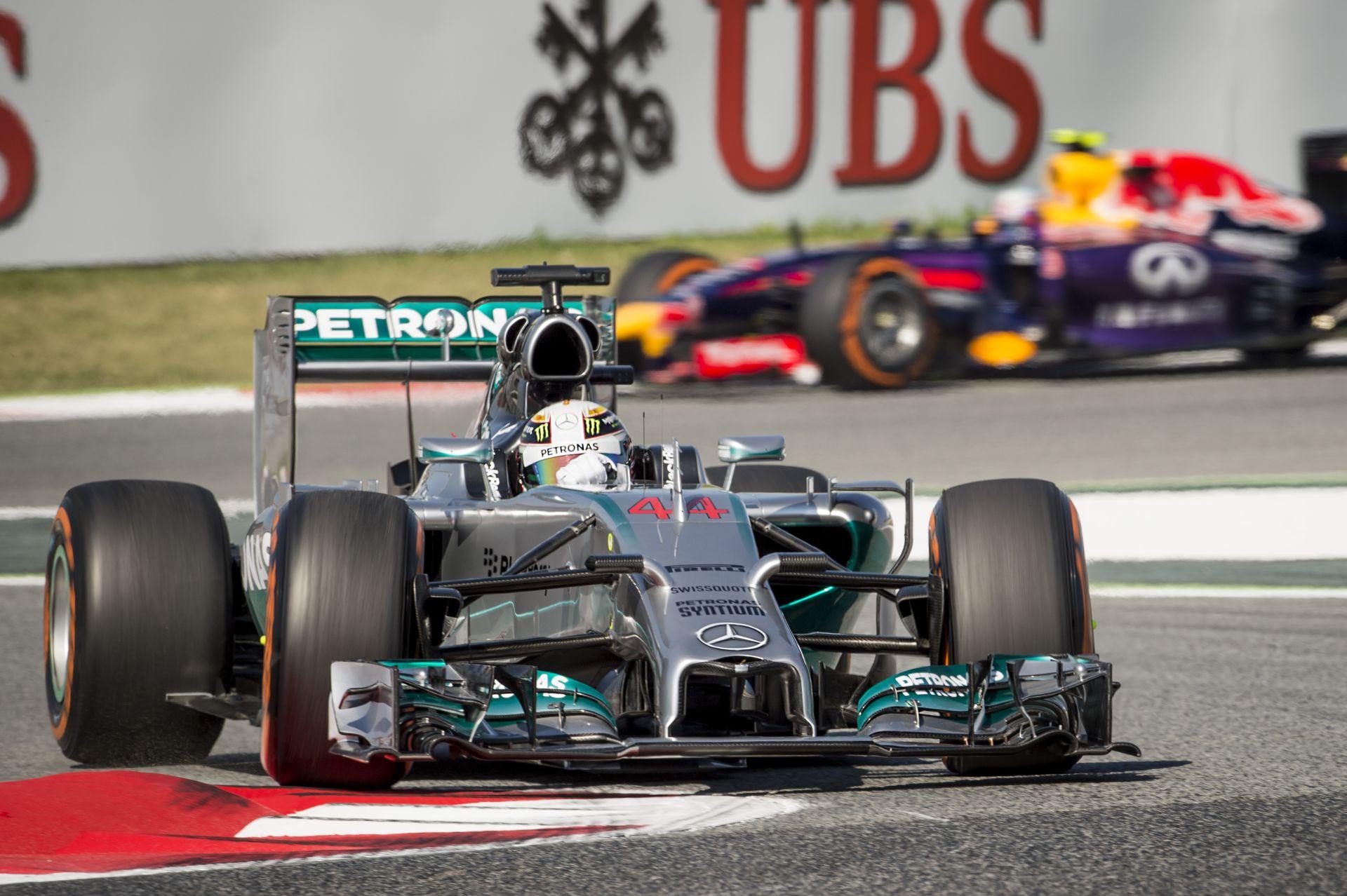Hamilton érinthetetlen és a második spanyol edzést is megnyerte! Tartja magát a Ferrari, megfáradt Vettel autója