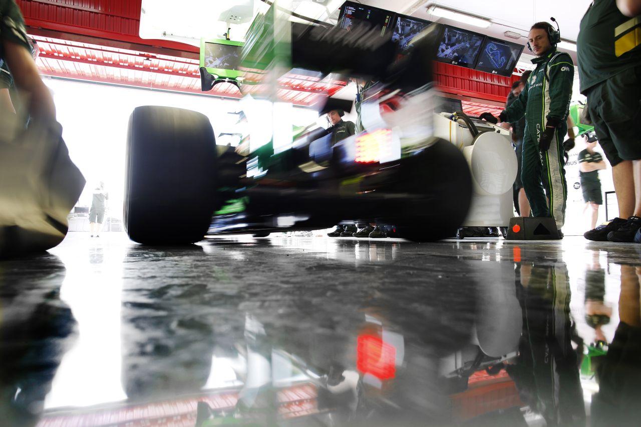 Rövidebb versenyhétvége, befagyasztott fejlesztés: javaslatok az olcsóbb F1 érdekében