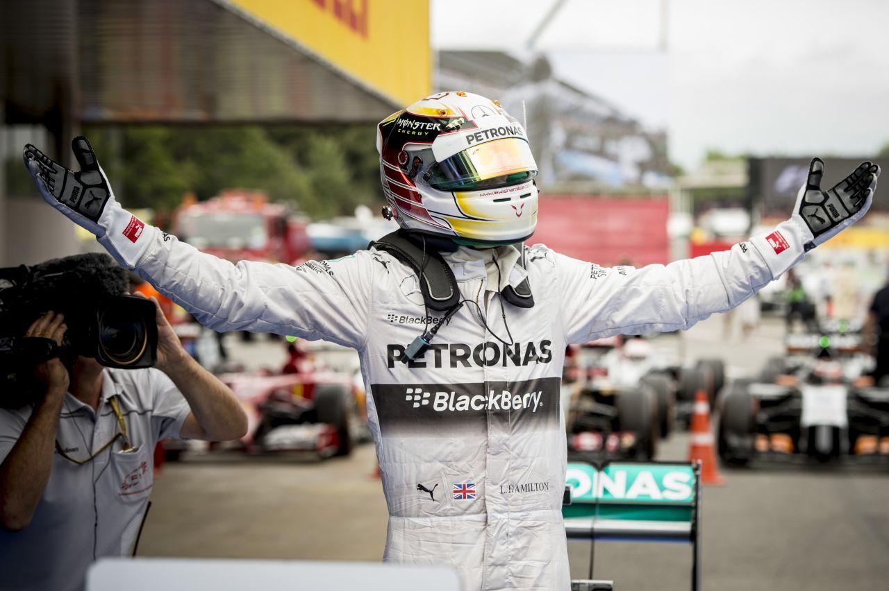 Hamiltonnak kell a konkurenciaharc: reméli, legalább nyomás alá helyezik a Mercedest