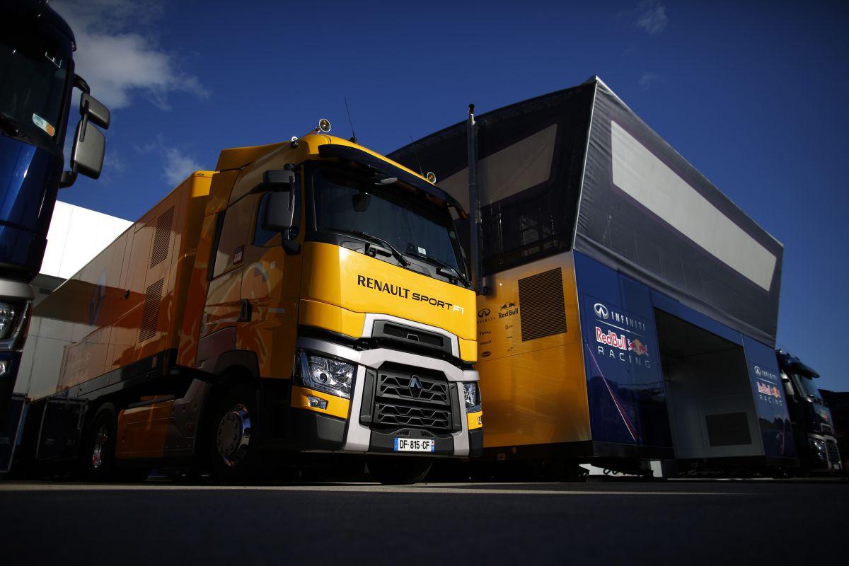A Renault nem felejtett el motort fejleszteni: talán lassan leesik valami a Red Bullnak