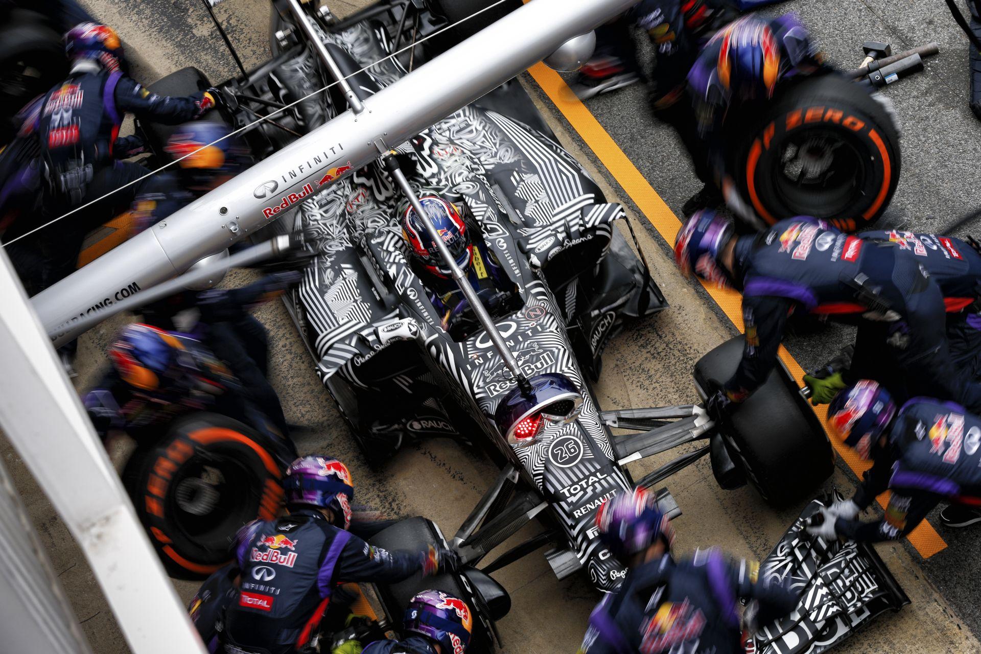 Nagyon gyors, de vezethetetlen lehet a Red Bull: Williams, mint második erő? NA NE!!! Ott a Ferrari!