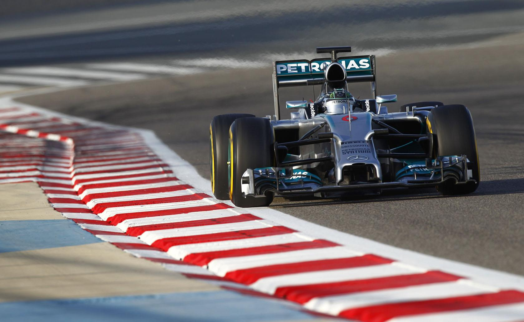 A Mercedes fölényesen nyerte meg a téli teszteket, de a Williams is ott van