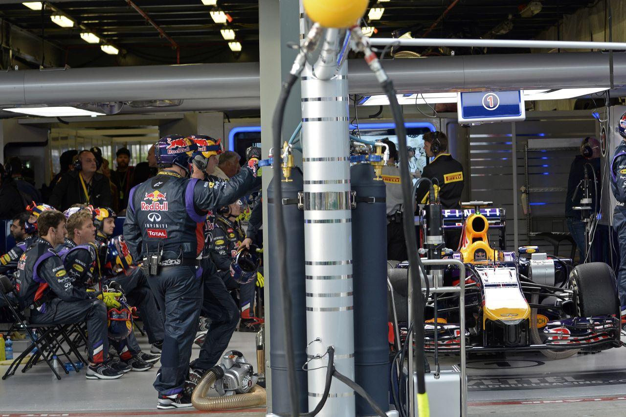 Az akkumulátorok maradjanak a mobiltelefonban: Vettel és az ADAC gyakorlópályája