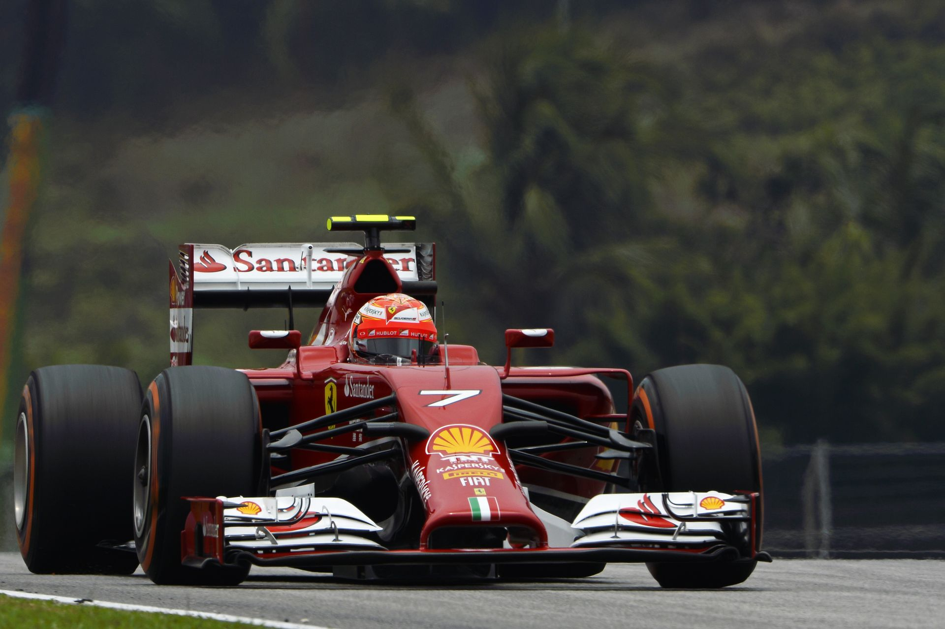 Alonso ismét legyőzte Raikkönent, ezúttal Malajizában az időmérő edzésen