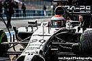 Bahreinben forgat a McLaren: Button kigurul a bokszból