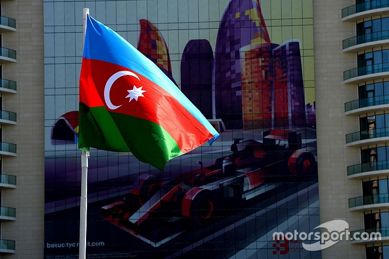 Los equipos se desmarcan de los problemas políticos de Bakú