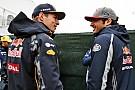 """Verstappen over contractverlenging Sainz: """"Voel geen druk van Carlos"""""""