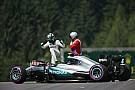 Mercedes verzoekt FIA kerbs aan te passen