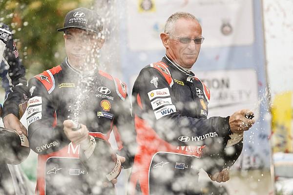 Polonya WRC: Podyum, Paddon'ı biraz rahatlattı