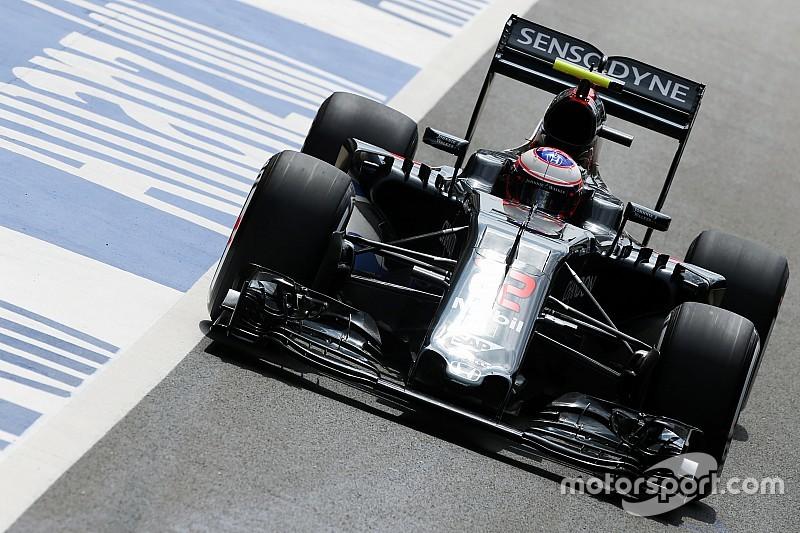 """McLaren over achtervleugel Button: """"Geen probleem voor de race"""""""