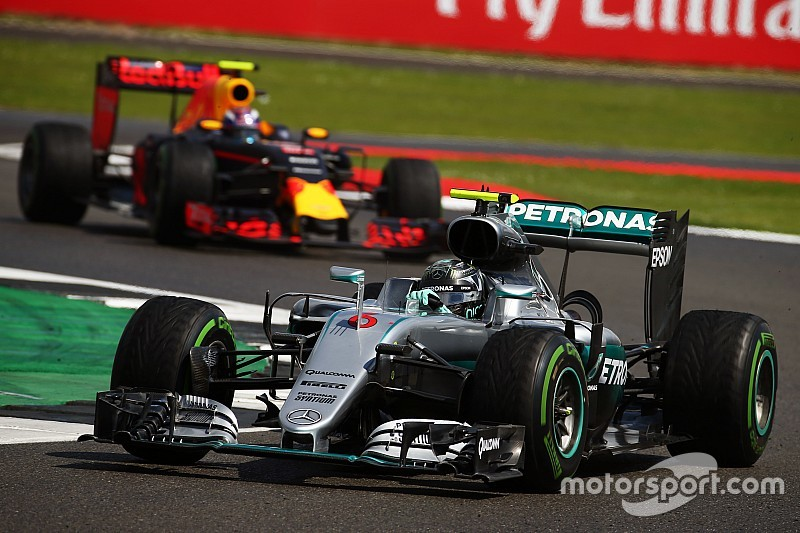 """Rosberg attende il verdetto e punge Max: """"A volte supera il limite"""""""