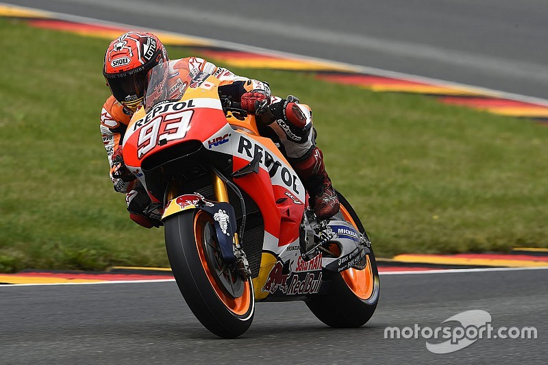 Motor waarmee Marquez won in recordtijd hersteld na crash in warm-up