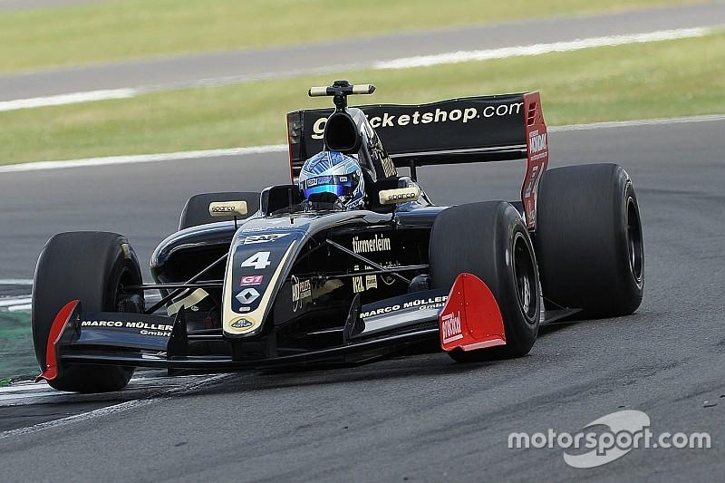 Формула 3.5 у Сільверстоуні: Ніссані здобуває першу перемогу