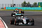 Mercedes ontkent dat Hamilton langzamer reed om Rosberg dwars te zitten