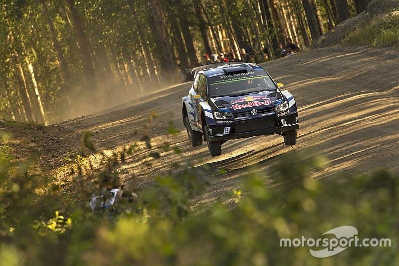Mikkelsen y Tanak igualan en la cima del Rally de Finlandia