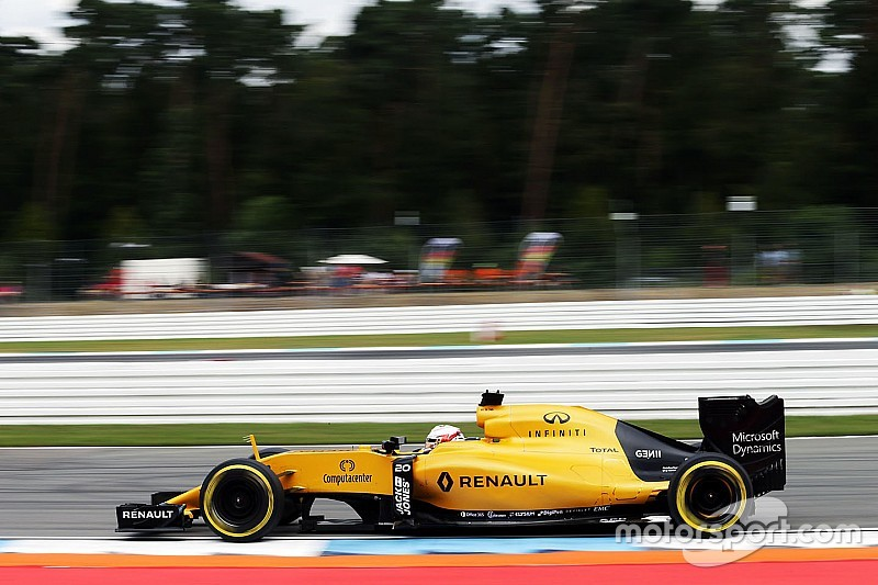 Whiting handhaaft track limits in bocht 1 op Hockenheimring