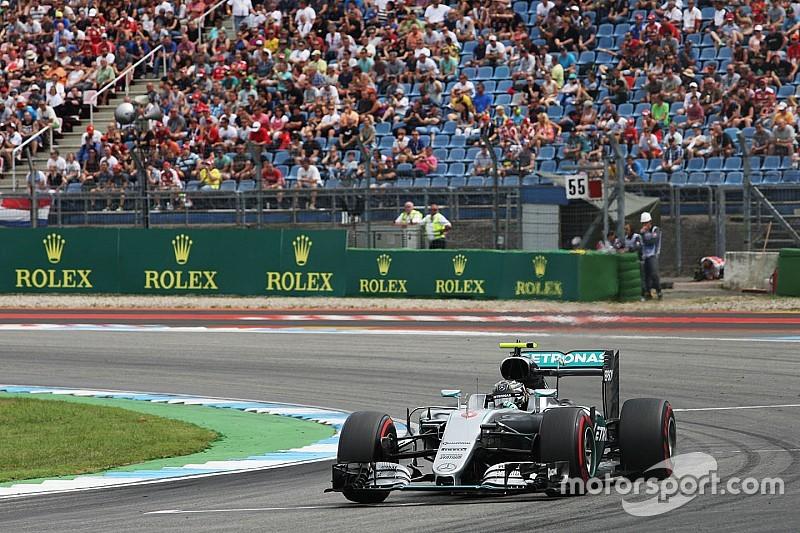 Rosberg completa todos los libres al frente