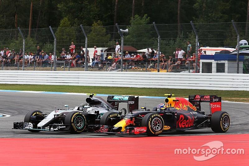 Twee strafpunten voor Rosberg vanwege incident met Verstappen
