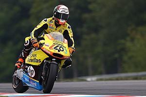 Moto2 Últimas notícias Álex Rins cai durante treino e sofre fratura na clavícula