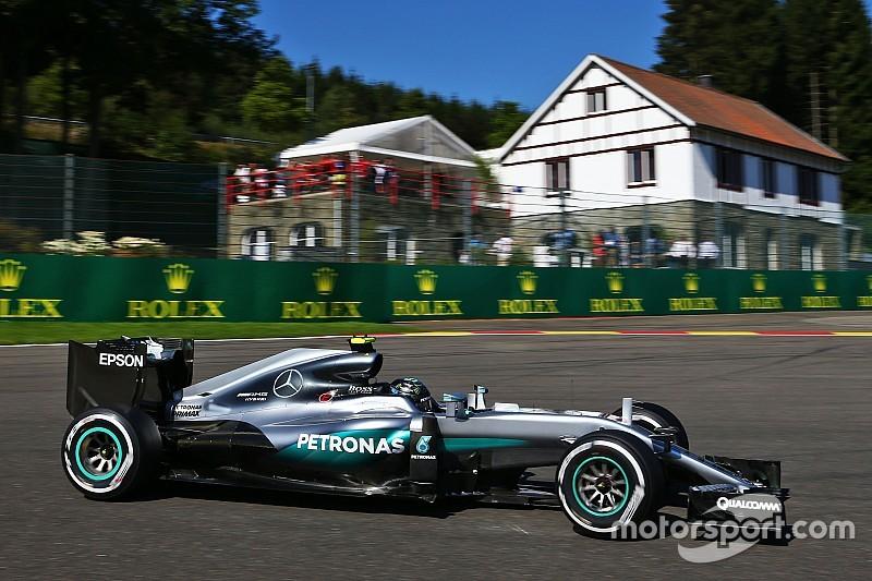 Mercedes afronta un dilema con Rosberg y Hamilton por los motores