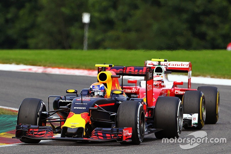 """Fernando Alonso: """"Verstappen deed niets verkeerd op Spa"""""""