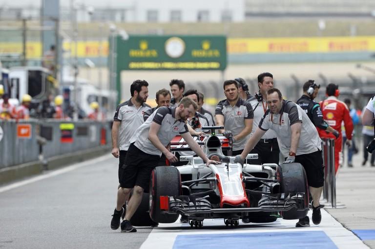 A Haas kamionjai Barcelona felé vették az irányt!