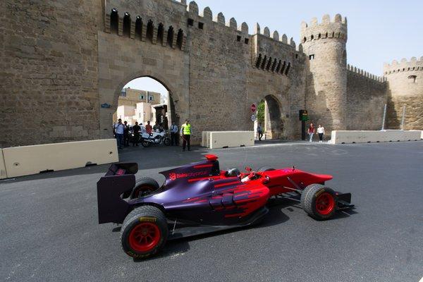 Az F1-es rajongók már most fogják a fejüket: mi lesz Bakuban?!