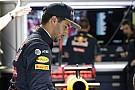 Verstappen és Ricciardo gyönyörű osztrák lányok közé csöppent