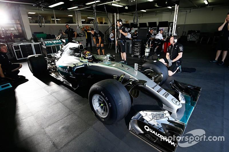 Mercedes completa 135 vueltas con los Pirelli de lluvia de 2017