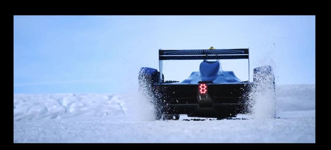 Amikor nem bűn, ha versenyautóval csapatsz a grönlandi jégmezőn