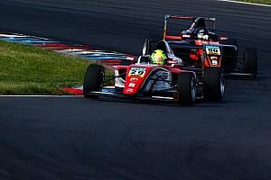 F4 BRÉKING Hihetetlen: Mick Schumacher azonnal kiesett Imolában…