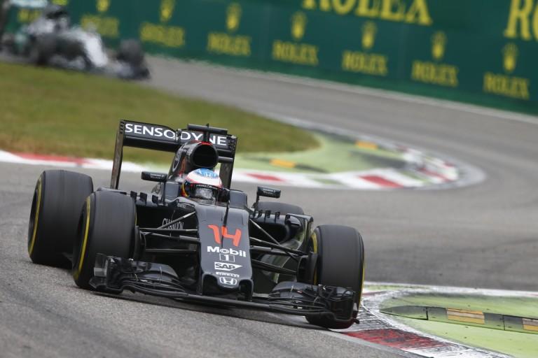 Éledezik a McLaren: jövőre csúnya világ jön?