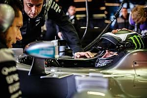 MotoGP Test Lorenzo realizza il suo sogno: ha provato la Mercedes di Hamilton