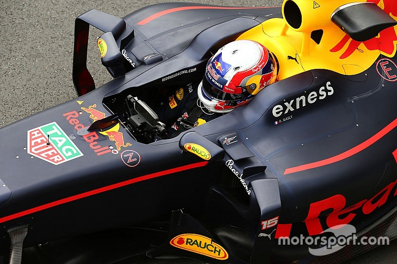 Gasly prueba para Pirelli en Abu Dabi