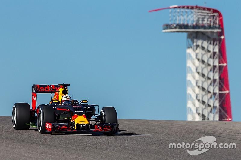 """Хэмилтон опасается """"очень быстрых"""" гонщиков Red Bull"""