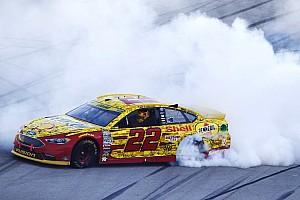 NASCAR Cup Rennbericht NASCAR: Joey Logano sichert Verbleib im Chase mit Talladega-Sieg