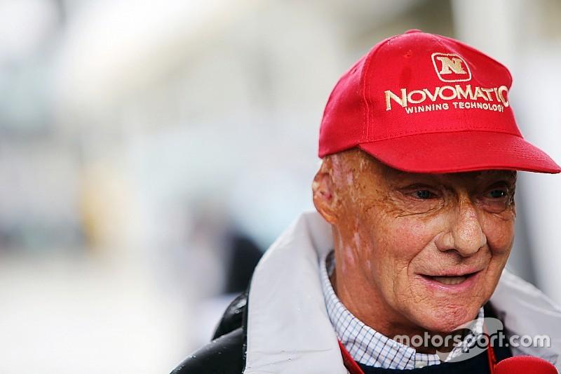 """Lauda: """"Verstappen debe actuar con cuidado; siempre dice que no es su culpa"""""""