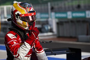 GP3 Reporte de la carrera Leclerc, campeón de GP3 tras doble abandono de los dos aspirantes