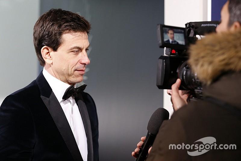 Wolff descarta a los pilotos de Red Bull y a Vettel para sustituir a Rosberg